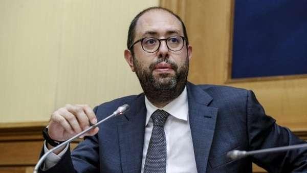 """Nannicini a Zingaretti: """"Risparmiamoci la direzione se il Sì è già deciso. Il Pd non si faccia dettare la linea"""""""
