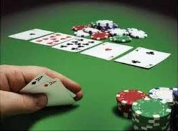 Sulla legge elettorale un'infinita partita a poker