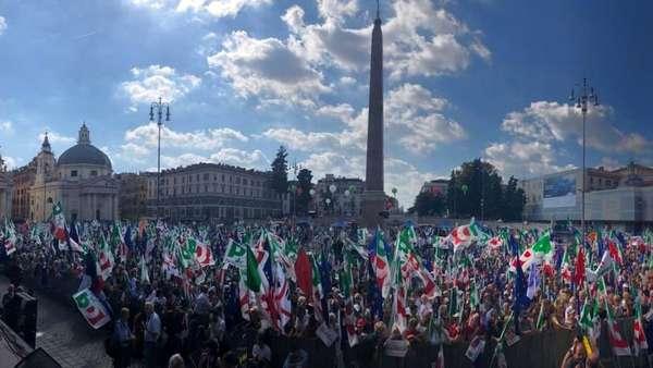«Il Paese non lo cambi da Roma ma da Pontremoli»